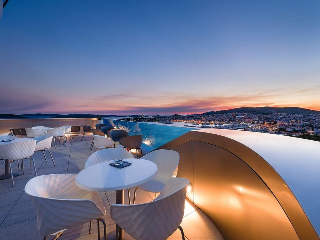 Hotels am Strand in Vodice in Dalmatien in Kroatien